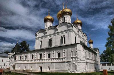 Kostroma-Cattedrale della Santissima Trinità (Troitsky Sobor)