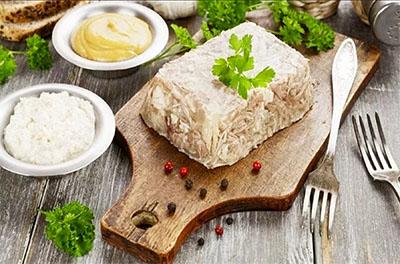 Ricetta russa: Carne in gelatina di brodo