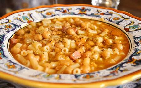 Итальянский рецепт: Паста и чечи с копчёной грудинкой