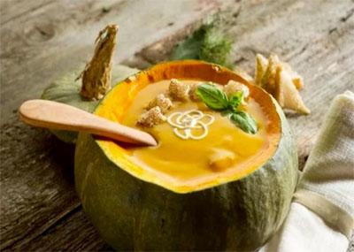 Ricetta russa – Zuppa di zucca con gnocchi di riso