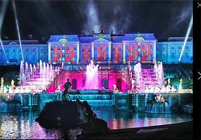 La chiusura delle fontane di Peterhof (San Pietroburgo): uno spettacolo da non perdere.