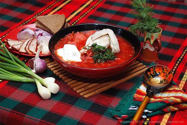 Ricetta russa: Borsch con fagioli e pesce
