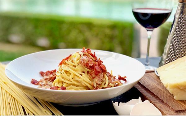 Итальянский кухня: Паста Карбонара — Pasta alla carbonara