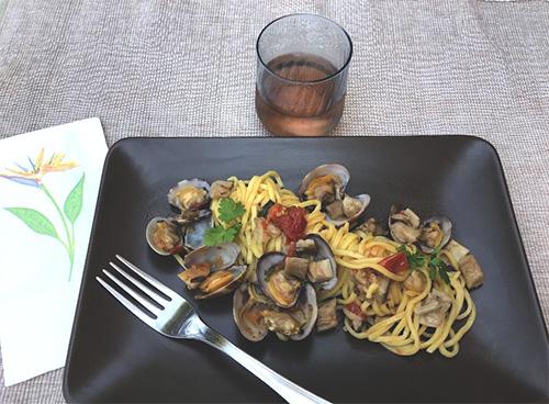 Итальянский рецепт: Спагетти с вонголе и белыми грибами