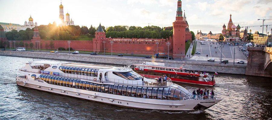Gita turistica sul il fiume Moscova